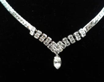 Rhinestone Necklace Silver Tone Herringbone Chain Delicate 24 Smaller Rhinestones 1 Larger Marque Center Rhinestone Adjustable Length