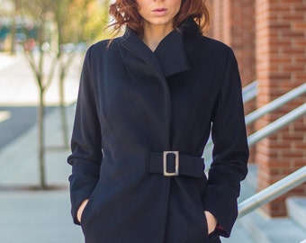 Women's wrap coat with buckle in Black Cashmere and wool