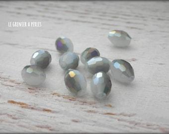 Warheads faceted Light Grey iridescent 6 x 8 X 10 mm beads