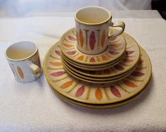 Red Wing Pottery, Pepe, three dinner plates, three salad plates, three saucers and 2 mugs