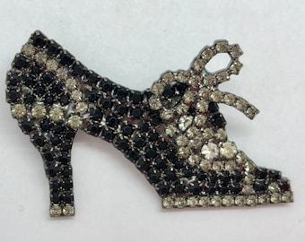 Chic Victorian Shoe Pin