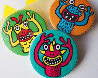 Retro Toy Finger Monster Puppet badges, lapel pin, Gift for her, party bag fillers, party favours, 90s childhood, Nostagic toys, Alien