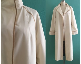 vintage 70's cream trench coat // lightweight tent shaped trench coat
