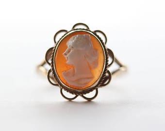 9ct Gold Oval Hand Carved Cameo Chunky Ladies Ring   Size UK M 1/2  and US 6.50
