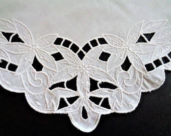 Vintage White Ladys Handkerchief, Wedding Hankies, Battenburg Lace Hankie, Floral Lace Handkerchief, Bridal Shower Hankies, 11''/28cm