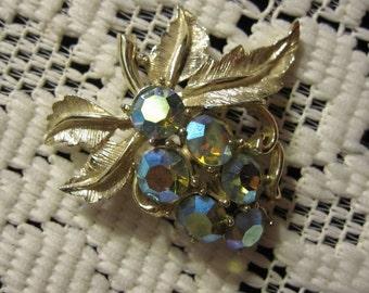 Vintage, Retro  Blue Aurora Borealis brooch or lapel pin - estate find!