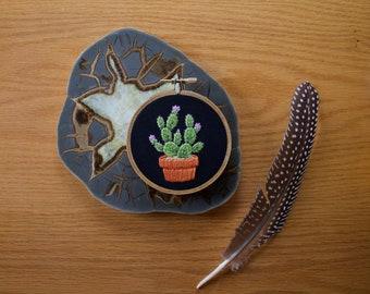 MADE TO ORDER - Pink Flower Cactus Hoop Art, Cactus Art, Cactus lover, Cactus Wall Art, Cactus Embroidery, Emboridery Hoop Art, Embroidery