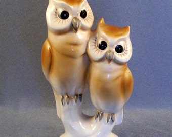 "SALE Pair of Owls Figurine // Collectible // Very Vintage // Made in Japan // Marked with 3 Leaf Clover // Wreath and ""Japan"" ***WAS 20.00"