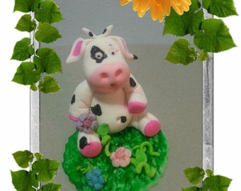 Edible Cow Cake Topper