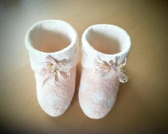 Feltro scarpe di bambino, Super fine lana merino, primi pattini di bambino, primo dono del bambino, regalo per bambina, regalo per neonati, o ' Gorman Larissa