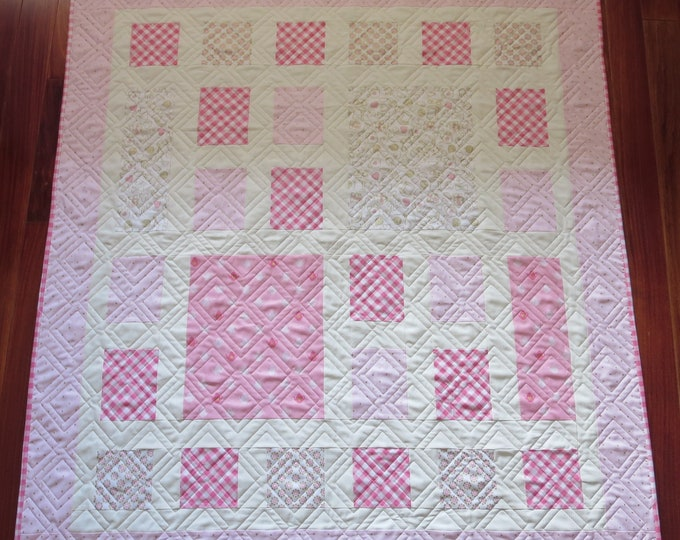 Featured listing image: Homemade - Quilt - Alice