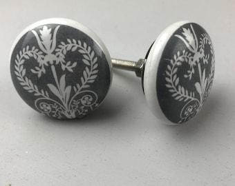 Set of 2 X Grey & White Victorian Vintage Style Ceramic Knobs