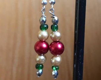 Gold, Red, and Green Beaded Drop Earrings, Gold Red Green Earrings, Red Green Gold Earrings, Gold Green red drop earrings, Red green earring