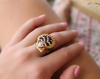 Natural Seashell 24k gold Ring // beach jewelry // Mermaid Ring // Lemuria