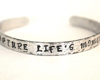 Capture lifes moments, Quote Bracelet, Aluminum bracelet, gift for photographer, Inspirational Jewelry, jewelry with meaning, Inspirational