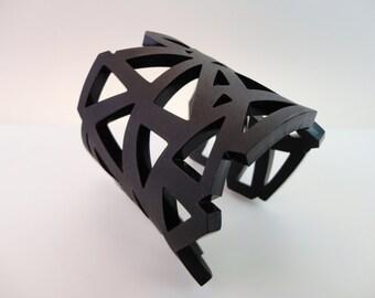Datch | Triangle Bracelet | Geometric Jewelry | Contemporary Jewelry | Urban Jewelry | Black Bracelet | Handmade by Plexi Shock