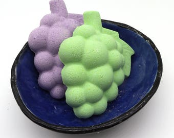 Grape Bath Bomb - bath fizzy, bath bombs, bath fizzies, grapes, wine, vino, fruit, party favor, spa day, stocking stuffer, vineyard