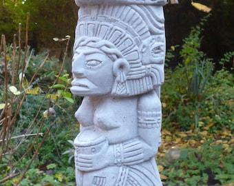 Gods of the Maya-Aztec totem-28 cm high-Steinguß-frost-figure garden Ornament Pierre Reconstituée Concrete