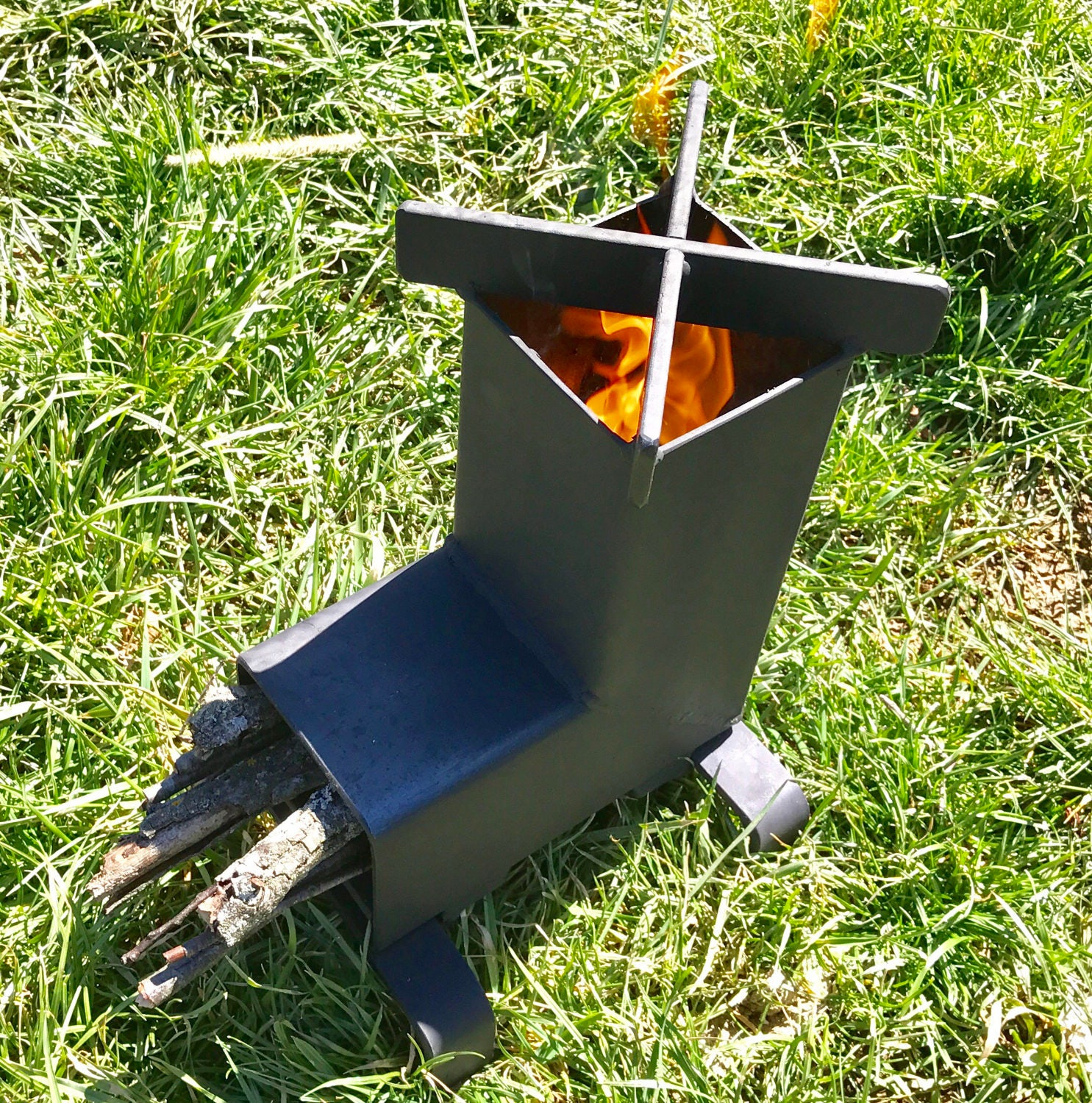 Rocket stove camping stove wood stove emergency stove for Portable rocket stove