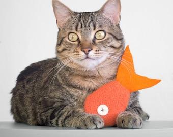 Catnip Toy. Cat toy. Catnip Fish. Orange Tropical Fish. Valerian Option. Organic Catnip. Wool Felt Toy. Felt Cat Toy