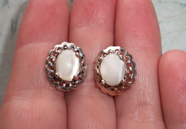 Vintage Signed CA 925 Sterling silver MOP earrings3.6