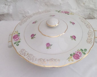 Vintage French faïence serving dish or tureen, 'Roses' pattern by Luneville.