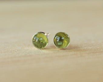Peridot Gemstone 5mm Bezel Set on Niobium or Titanium Posts (Hypoallergenic Stud Earrings for Sensitive Ears)