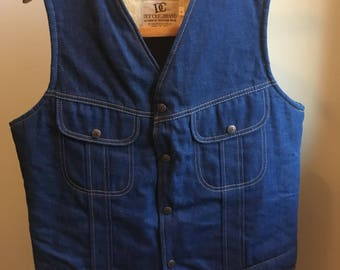 Vintage Dee Cee DC denim vest with faux shearling. Size large.