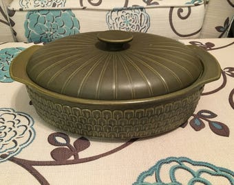 "1972 Wedgwood Cambrian Green 2.5 Quart Oval 11"" Covered Casserole, Roaster, Cook Pan, Bakeware"