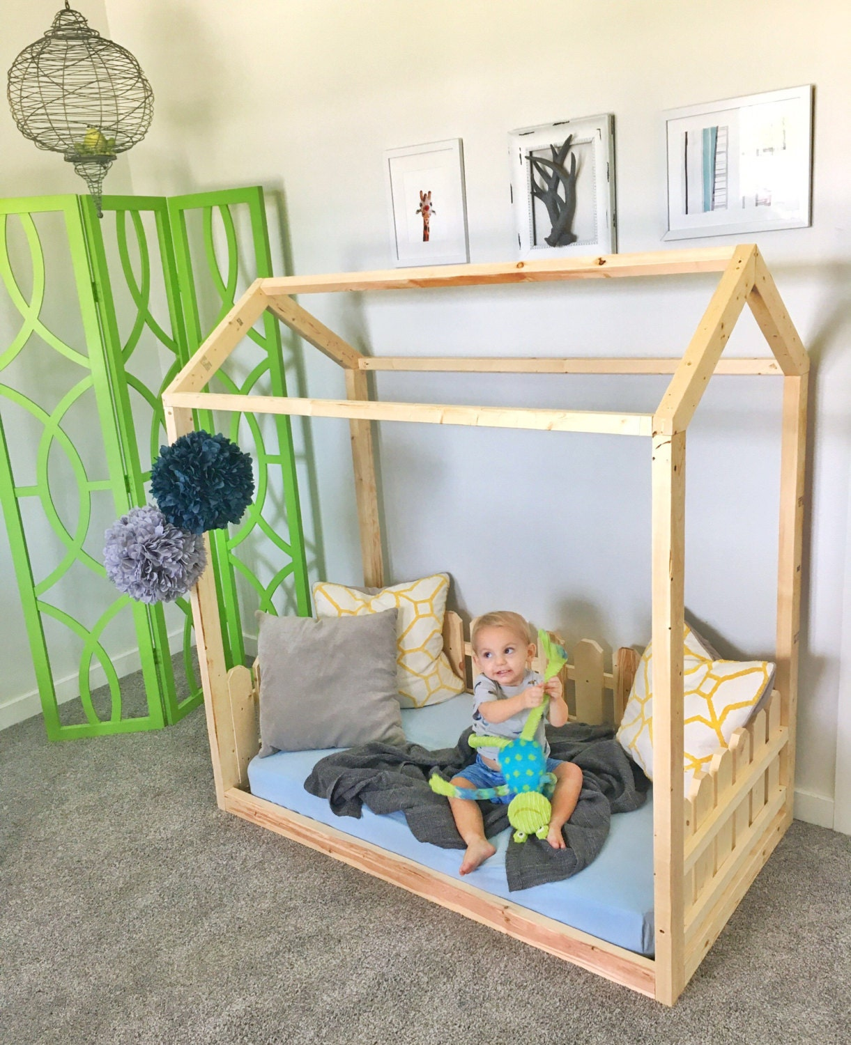 Made in us toddler bed frame house bed picket fence for Frame house bed