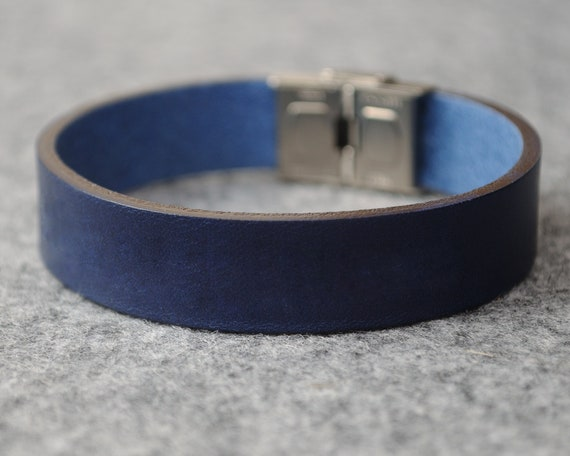 Italian blue leather personalized bracelet, vegetable tanned, engrave phrase, initials or word
