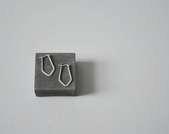 shapely hoops / vintage sterling silver frame earrings