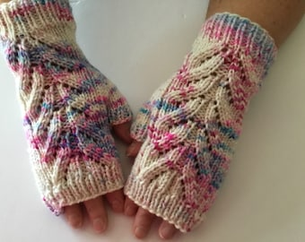 Hand Knit / 100% Hand Dyed Merino Wool / Hand Warmers / Fingerless Gloves