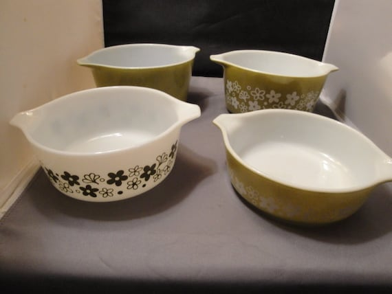 4 Pyrex Baking Serving Dishes Olive Green And White Green Spring Blossom Pattern. Casserole Dishes No Lids from ThePeddlarsParadise on Etsy Studio & 4 Pyrex Baking Serving Dishes Olive Green And White Green Spring ...
