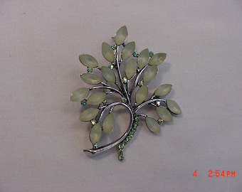 Vintage Green Thermoset & Rhinestone Brooch  18 - 543