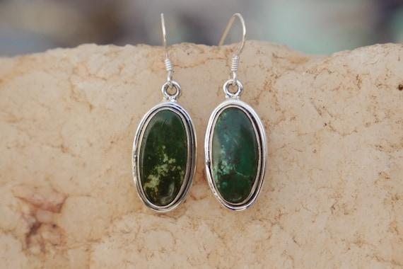 GREEN TURQUOISE EARRINGS - 925 Sterling Silver Earrings - Gemstone - Navajo - Handmade - Natural crystal - Vintage style - Bespoke - Antique