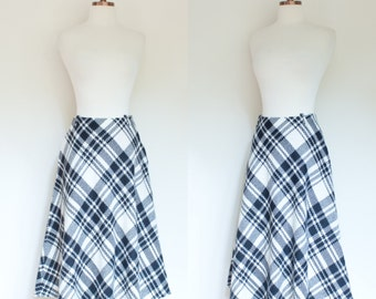 vintage 1960s wool plaid A line skirt / 60s Summit of Boston ivory and black skirt / S