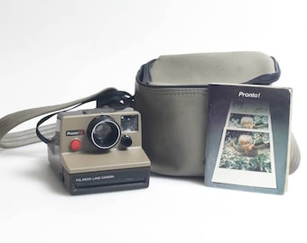 Polaroid Pronto SX-70 Camera with Case & Manual//Instant Camera