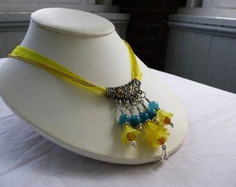 Fairy Flower Ribbon Necklace Yellow & Blue Agate