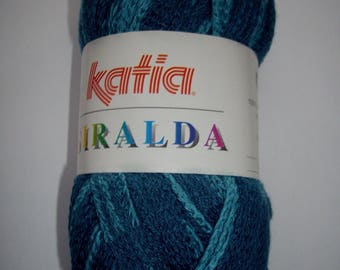 Giralda yarn for ruffled scarf - shades of blue