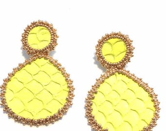 Earrings fish tilapia leather and Golden glass beads