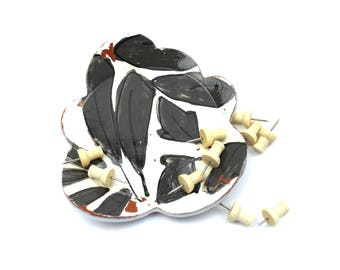 Black and White Leaves Scallop Dish | Spoon Rest | Jewelry Dish | Candle Holder | Small Dessert Plate | Soap Dish | Ring Dish | Small Dish