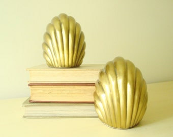 Brass shell bookends, nautical decor, large dimensional stylized shell, PM Art by Philadelphia Manufacturing, 1980s home decor, boaters gift