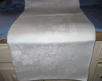 "Elegant & Pretty Vintage/Antique  LARGE DAMASK Linen TABLECLOTH!  (62"" x 80"", Weddings, Special Occasions)"