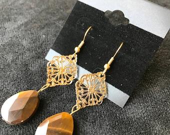 Gold Design with Brown Teardrop Earrings