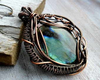 Wire wrapped pendant - Labradorite pendant -  Wire wrap jewelry - Gemstone pendant - Copper pendant - Heady wire wrap - Copper jewelry