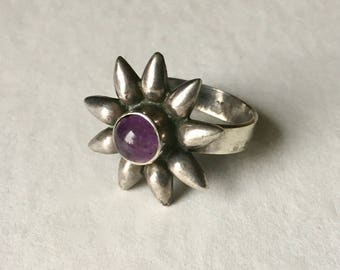vintage Mexican sterling and amethyst flower ring, size 8.25