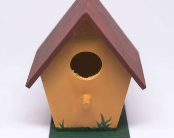 Brick Roof Birdhouse