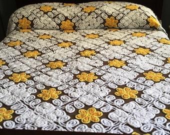 VINTAGE CHENILLE BEDSPREAD, Cutter Chenille Bedspread, Double Chenille Bedspread, Full Chenille Bedspread, Chenille Bedspread, Brown Yellow
