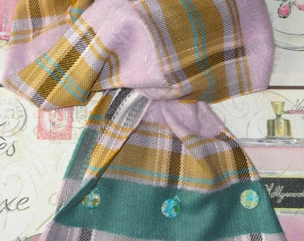 """Scarf tartan """"no! BUT hey""""customized with 3 snaps"""